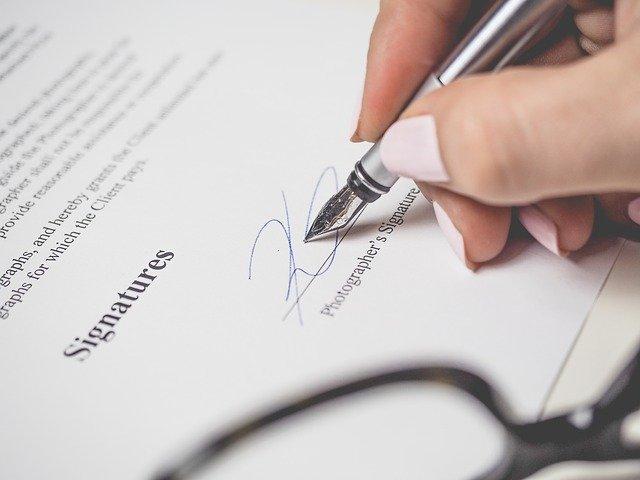 Reconnaissance de signatures et authentification de document